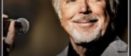 Tom Jones @ The Wellmont Theatre, Montclair, N.J. 9/28/16