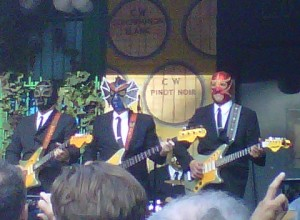 Los Straitjackets in Manhattan