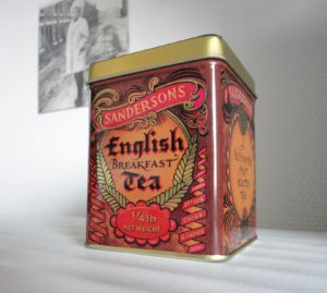 English_breakfast_tea_tin